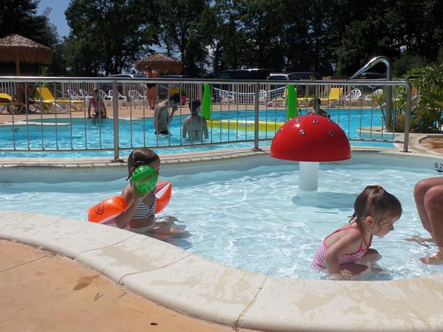 Camping bretagne piscine camping pas cher en france - Camping vendee pas cher avec piscine ...